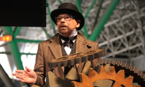 Mario Pinto, president of the Natural Sciences and Engineering Research Council of Canada, presents an award at the steampunk-themed National Science and Innovation Gala held at the Canada Aviation and Space Museum on Wednesday, May 17, 2017. (Photo by Caroline Phillips)