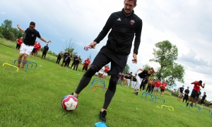 Ottawa Fury soccer players, including Kyle Venter, participated in a series of soccer drills with guests of the Fury for the Heart benefit for the Montfort Hospital, held at Stonefields Event Destination on Sunday, June 25, 2017. (Photo by Caroline Phillips)
